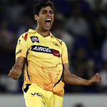 Ashish Nehra - 'Player of the match' vs. Delhi Daredevils