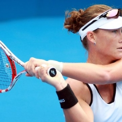 Local girl Samantha Stosur can overpower Ana Ivanovic at day 5 in Australian Open 2014