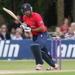 Ravi Bopara Sterling all round performance for Essex