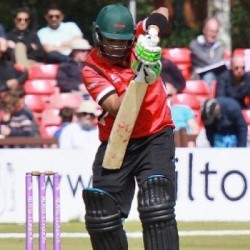Umar Akmal 76 off 49 for Leisectershire Foxes