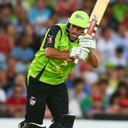 Usman Khawaja First ton of the event for Sydney Thunder