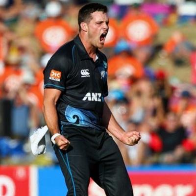 Mitchell McClenaghan - Superb express bowling vs. Sri Lanka